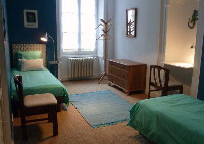 Chambre bleue en 2 lits de 80 x 200