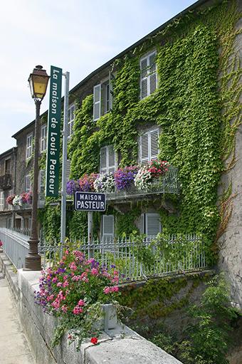 Maison-Pasteur-credit-denis-maraux