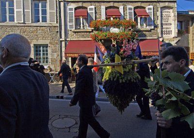 Procession du Biou dans les rues d'Arbois